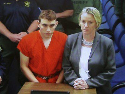 Nikolas Cruz and lawyer at arraignment
